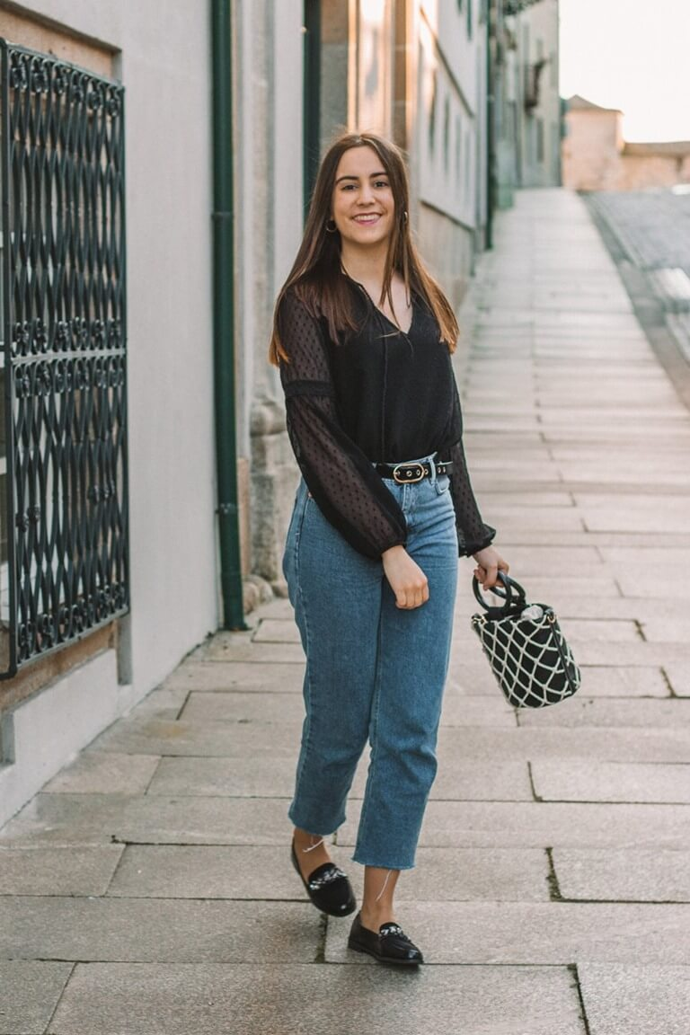 intemporal clothes outfit mom jeans black shirt