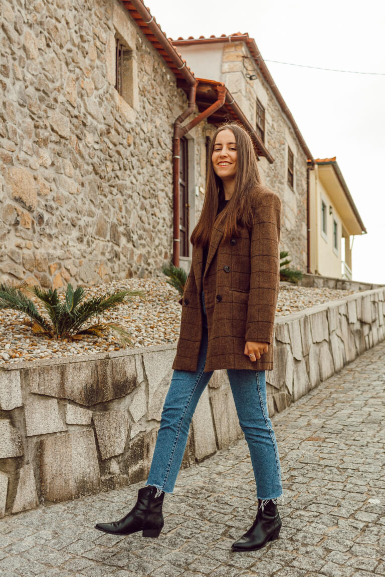 brown-plaid-blazer-mom-jeans-ankle-boots